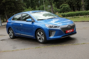 Тест-драйв {MARK} {MODEL}: Hyundai IONIQ electric. Новенький