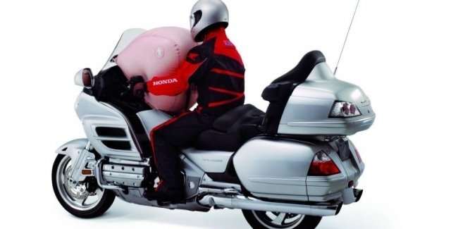 Отзыв Honda Gold Wing из-за проблем с воздушной подушкой