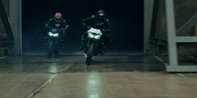 Второй тизер Triumph Speed Triple RS