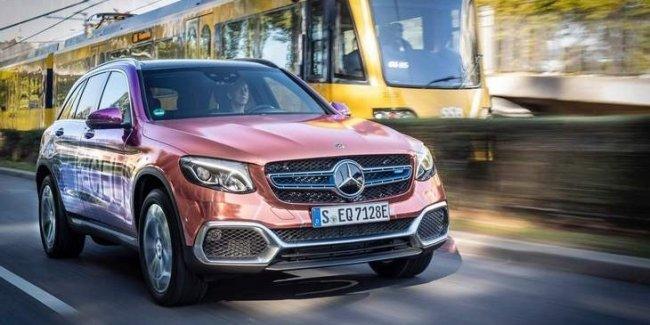 Mercedes-Benz раскрыл детали гибридного водородного кроссовера GLC