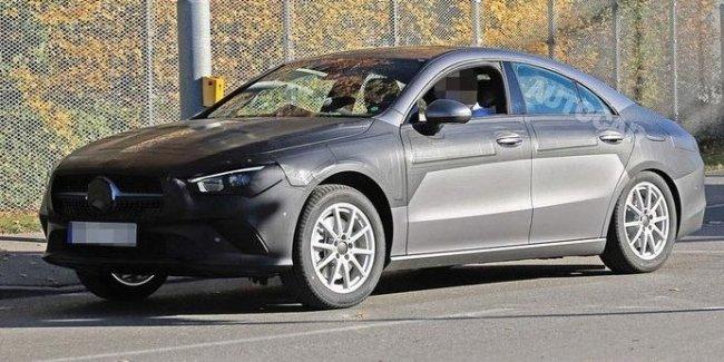 Mercedes вывел на финальные испытания CLA следующего поколения