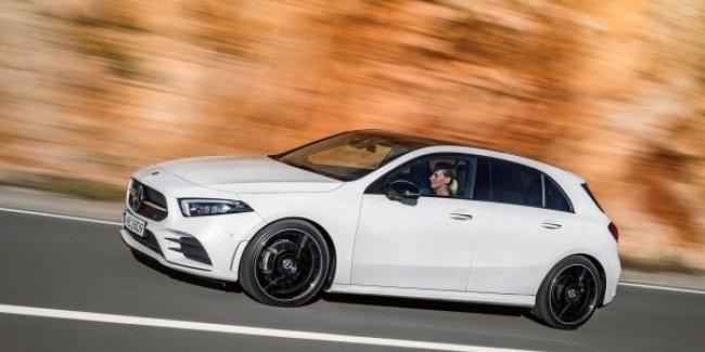 Роскошный Mercedes-AMG A45 попал в объективы фотошпионов