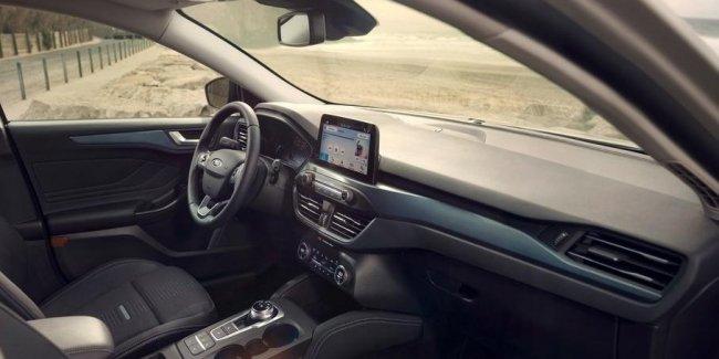 Ford решил бороться с запахом нового автомобиля