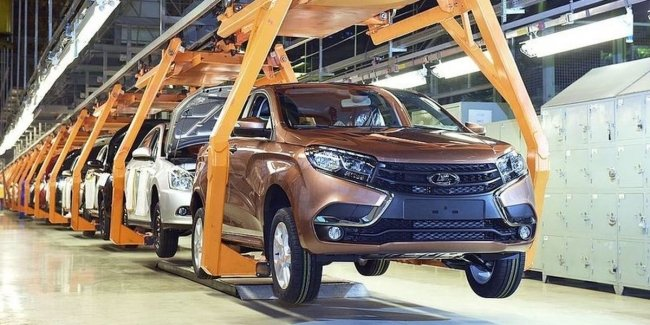 «АвтоВАЗ» остановил производство автомобилей