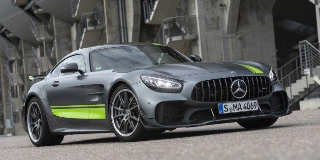 Озвучены цена на «хардкорный» Mercedes-AMG GT R Pro