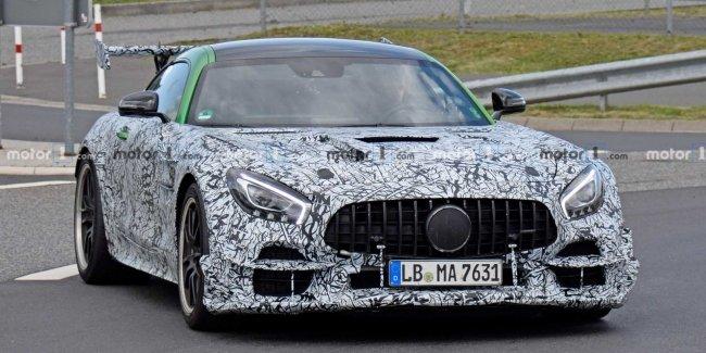 Прототип самой мощной версии купе Mercedes-AMG GT вышел на тесты
