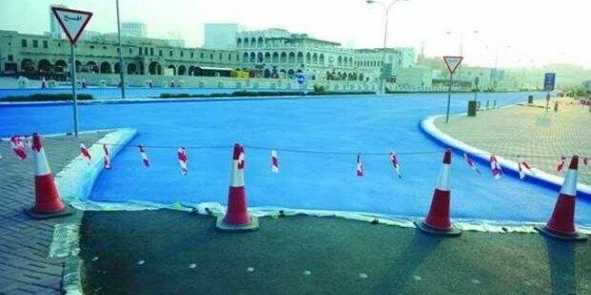 В Катаре начали красить дороги в голубой цвет