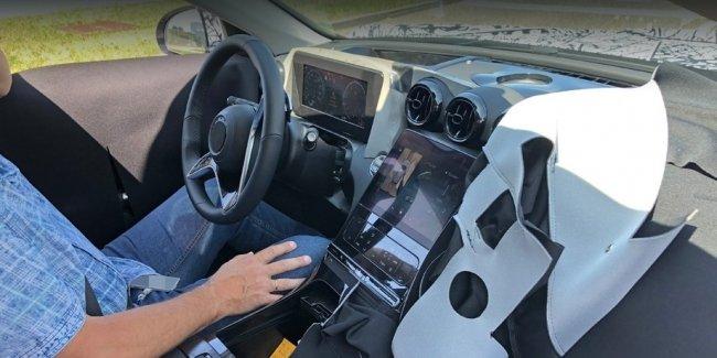 Следующий Mercedes-Benz C-класса радикально поменяет салон