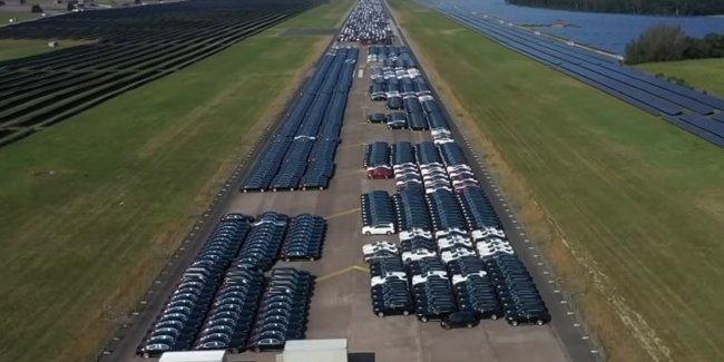 В Германии нашли огромное кладбище новеньких Mercedes-Benz