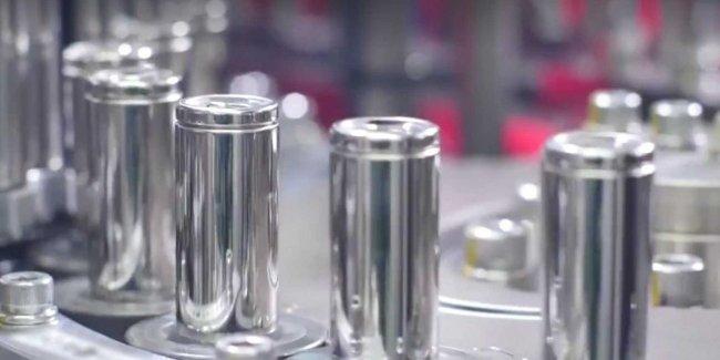 Tesla готовит батарею с ресурсом 1,6 миллиона километров