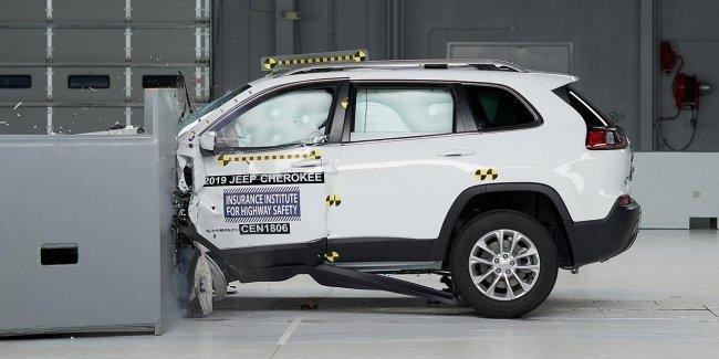 Новый Jeep Cherokee стал одним из самых безопасных среднеразмерных внедорожников