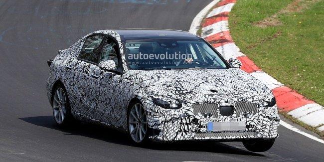 Mercedes решил оснастить модели C-Class пятого поколения новыми технологиями