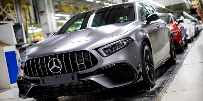 Новые Mercedes-AMG A45 и CLA 45 встали на конвейер в Венгрии