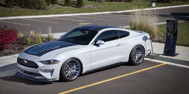 Ford сделал из «Мустанга» 900-сильный электрокар
