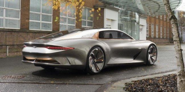 Глава Bentley назвал сроки появления первого электромобиля