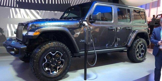 Jeep Wrangler обзавелся гибридной версией с функцией подзарядки
