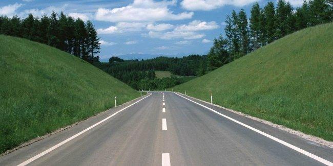 «Большая стройка» Укравтодора набирает обороты: когда и где ждать хорошие дороги?