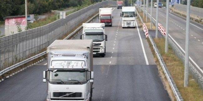 С 18 мая Киев ограничит въезд грузовиков