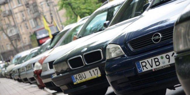 Над законом: почему полиция не штрафует евробляхеров?