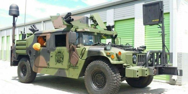 Пулемет в подарок: продается военный Humvee