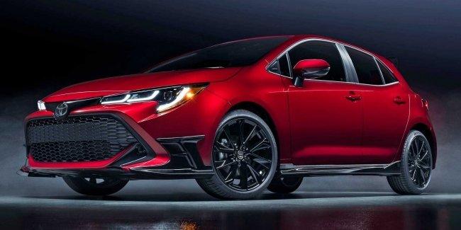 Corolla Special Edition: красное на черном