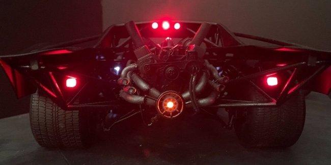 Похоже новый бэтмобиль будет делать неплохой Burnout