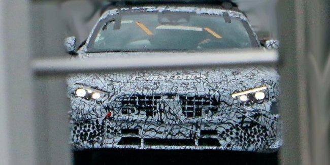 Новый Mercedes SL. Куда исчезла крыша?