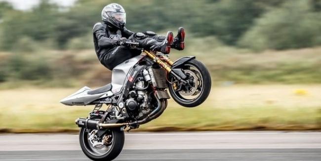 Мотоциклист установил самый необычный рекорд скорости