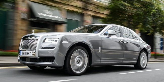 «Шепот призрака»: новая фича Rolls-Royce Ghost (видео)