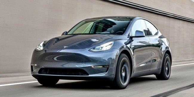 Неожиданный «сюрприз» под капотом Tesla Model Y