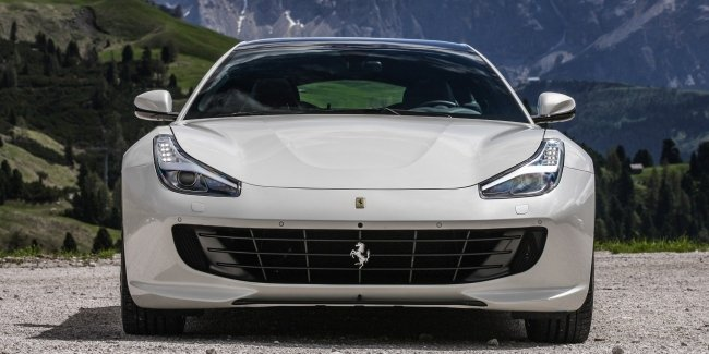 GTC4Lusso превратили в будущий кроссовер Ferrari