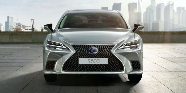 Lexus updated hybrid flagship LS 500h