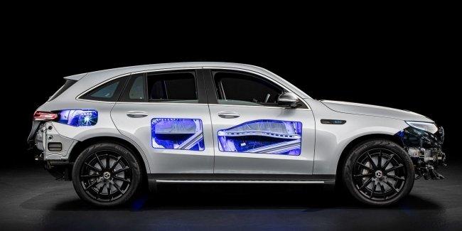 Когда нечего скрывать: Mercedes создал «прозрачный» EQC
