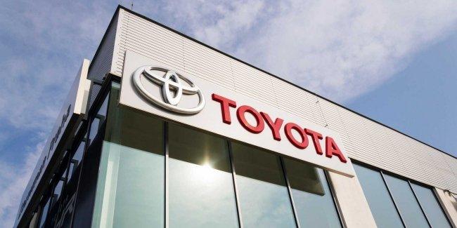 Toyota продолжает отзывать автомобили