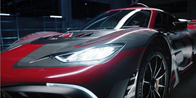 Эффектные проезды гиперкара Mercedes-AMG One (видео)