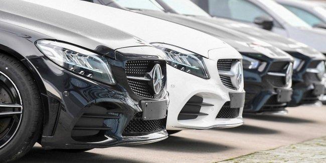 Mercedes отзывает сотни тысяч авто по всему миру