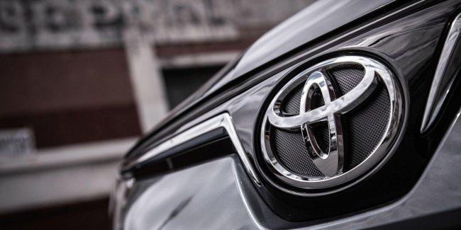 Toyota приготовила новый электро кросс
