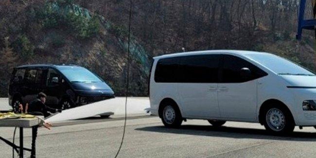 Новый минивэн Hyundai рассекретили до премьеры