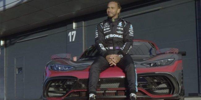 Мощнейший Mercedes в руках Люиса Хэмилтона (видео)
