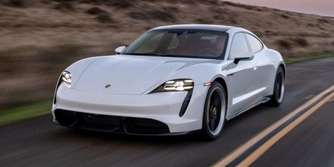Porsche Taycan сделают быстрее и «умнее»