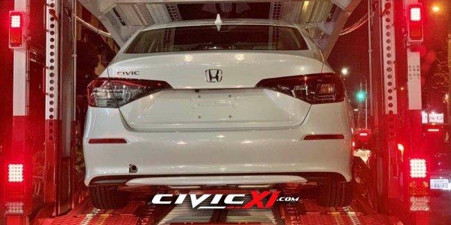 И вот опять... Новая Honda Civic попалась фотошпионам