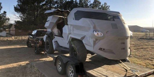 Вездеход из «Судьи Дредда» или новая Toyota Camry?