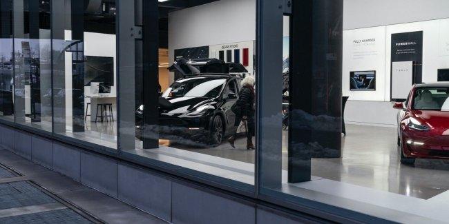 Tesla продавая авто списывала двойную сумму со счета клиента