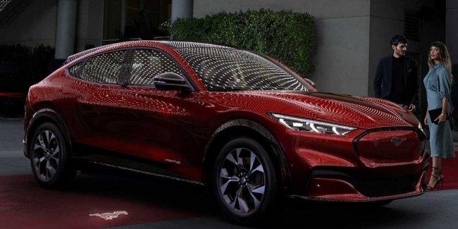 Китайский Mustang поступил в продажу
