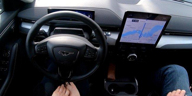 Руками не трогать: автопилот Ford BlueCruise