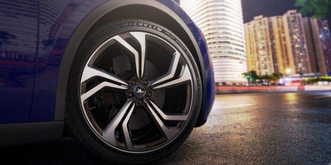 Автомобили без покрышек: автопром ждет еще один дефицит