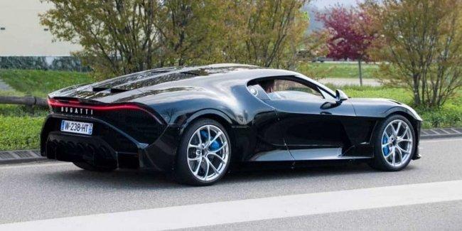 Bugatti La Voiture Noire на дорогах общего пользования