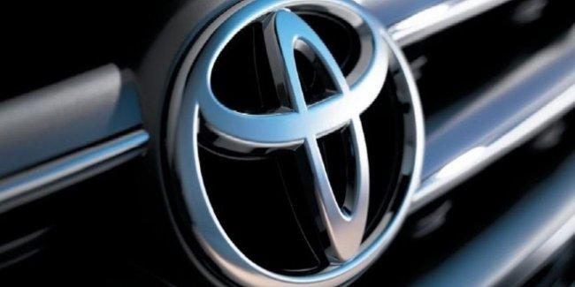 Lexus и Toyota строят «самоходные» кроссоверы