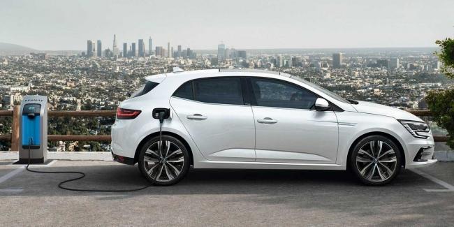 Renault запустила продажи гибридного Megane