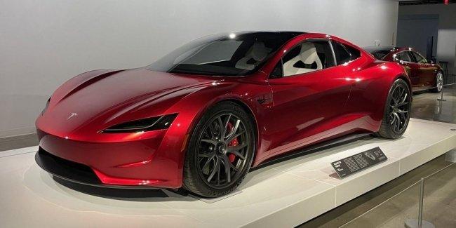 Tesla Roadster поменяют дизайн